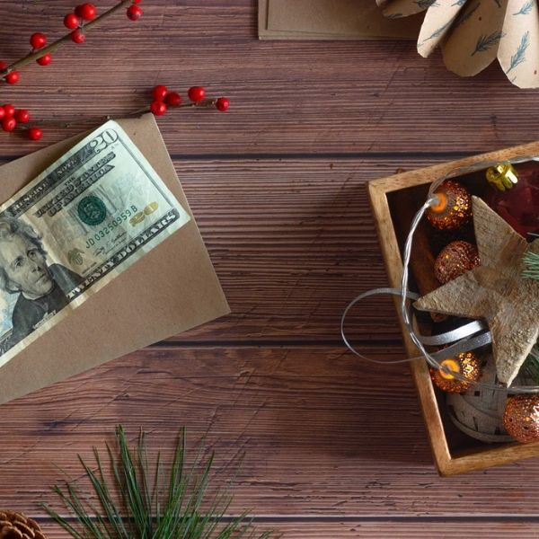Christmas Budgeting 101: How to Avoid Overspending